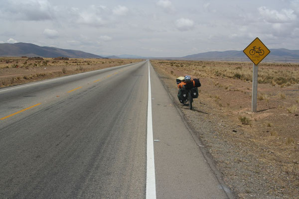 Cycling the Altiplano - South of La Paz
