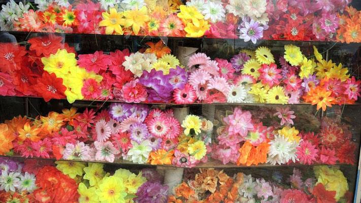 Plastic flowers near Hambantota