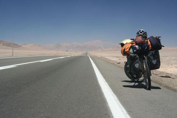 Panamericana crossing Atacama Desert