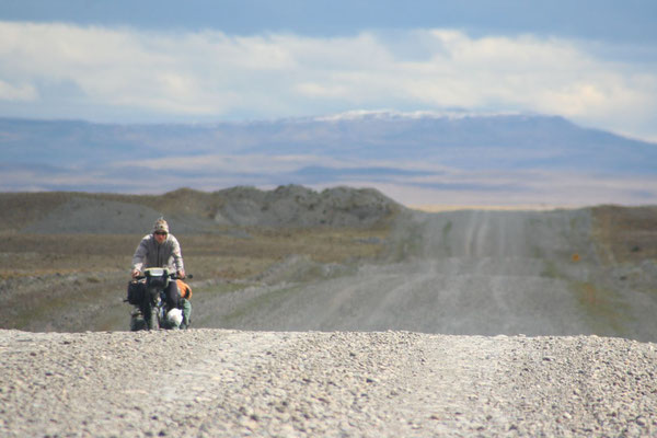 Cycling Ruta 40 - Meseta Vizcachas