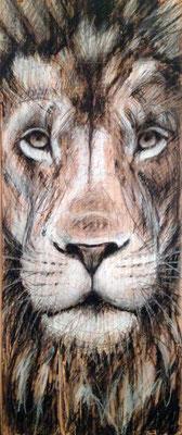 """""""Lion"""", 22 cm x 50 cm, Kohle, Wachsstifte auf Holz, 2015   ___VERKAUFT"""