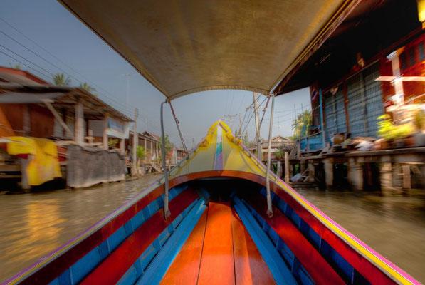 STURDY CANOE (Floating Market Damnoen Saduak, Bangkok, Thailand, January 2012)