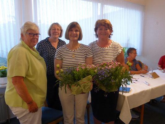 LF_Präsidentin Ulrike Röhr und Claudia Jürgensen begleiteten die Arbeitstagung.