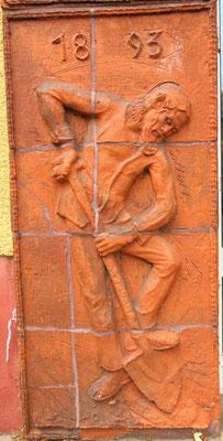 Relief am Genossenschaftshaus