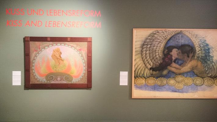"""Fidus in der Ausstellung """"Kuss. Von Rodin bis Bob Dylan"""""""
