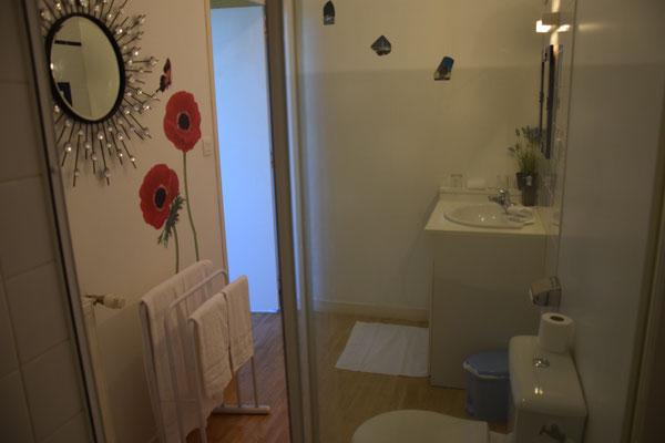 hôtel Fougères, salle d'eau Loisance