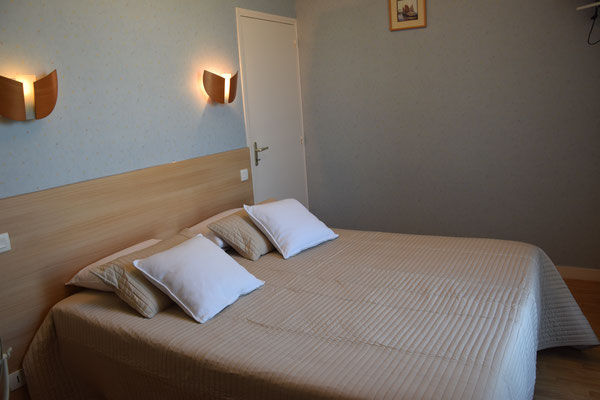 Petite Chambre calme: Minette Hôtel Vendel