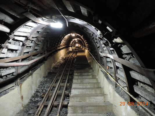 Lange Tunnel führten in die unterschiedlichsten Bereiche