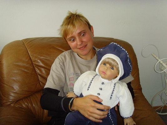 Keine Ahnung warum ich so ein Foto von mir hochlade....liegt wohl an der Puppe