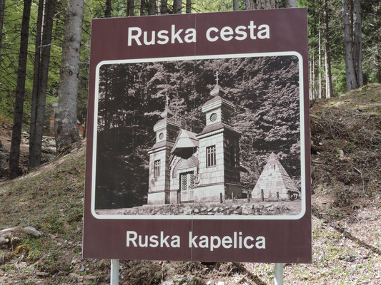 Auf dem Vrsic Pass begegnete uns diese Kapelle