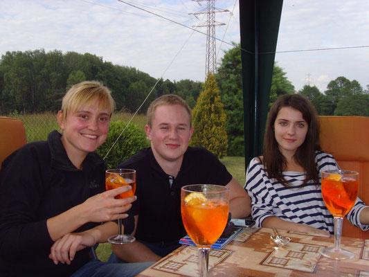 Aperol mit Orange. Das Frauengetränk schlechthin. Lecker!!!