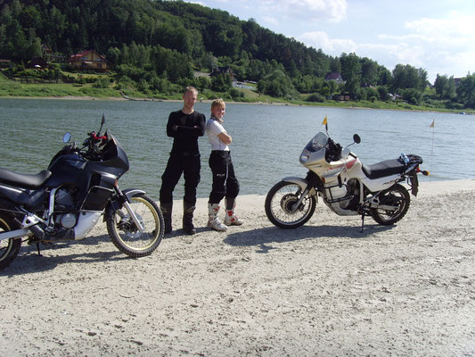 Das Foto hat ein netter Harley Fahrer von uns gemacht.
