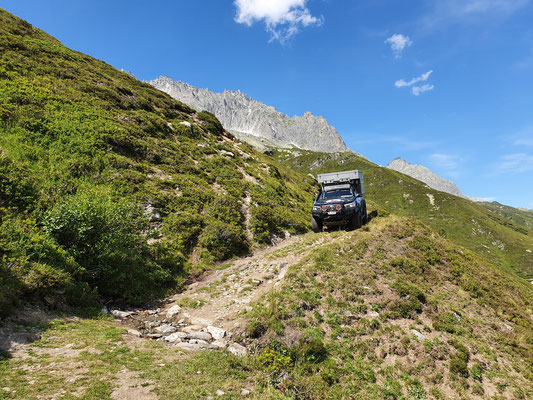 Toyota Hilux Revo 2017 2.4 #ProjektBlackwolf wolf78 exkab offroad overland Camping 4x4 Furka switzerland Mountain alpen AFN Steelbumper frontrunneroutfitters #BornToRoam Winch Rival bfgoodrich tires TJM Sknorkel wolf78-overland.ch