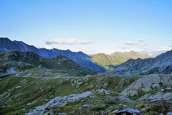 Valle Maggia offroad Schweiz Tessin Lago del Narèt overland expedition 4x4 Natur Alpen Berge wolf78-overland.ch Stausee