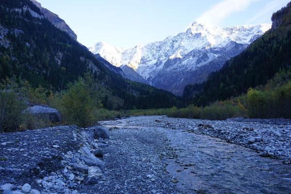 Jeep Grand cherokee 3.0 crd WH WK overland expedition offroad Gasterntal Bern Schweiz  Wolf-78