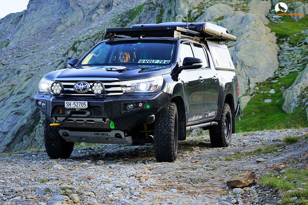 Toyota Hilux Revo 2017 2.4 Blackwolf Alucab offroad overland expedition 4x4 AFN Steel bumper Stahlstossstange ARB Frontrunner Horntools Winch Rival skid James Baroude Discovery Awining Markise bfgoodrich 265/70R17 TJM Sknorkel wolf78-overland.ch