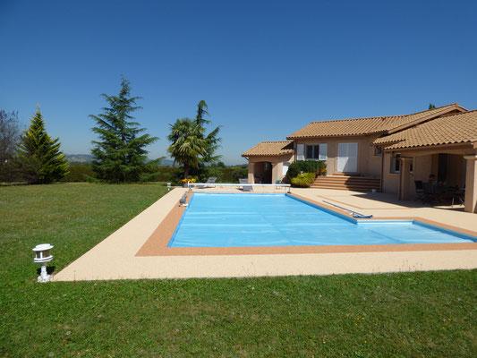 Terrasses plages de piscines beton cire bordeaux Revetement piscine beton cire