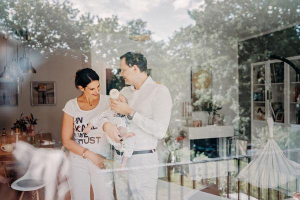 Lena Feelings, Babyfotografin, Lifestyle Babyfotograf in Berlin, Natürliche Babyfotos, Homestory fotografieren, Fotos zuhause, Familienfotograf Berlin, Familienfotografie, Kinderfotografie, Babyfotografie, erstes Lebensjahr, Berlin mit Kind, Eltern sein