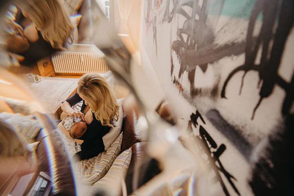 Babyfotograf in Berlin, Wochenbett Fotograf, Neugeborenen Fotos Berlin, Neugeborenen Fotograf in Berlin, Neugeborenen Fotograf für Zuhause, Babyfotos zuhause Berlin, Babyfotoshooting Zuhause Berlin, Lena Feelings, Homestory Fotograf Berlin, Lifestyle
