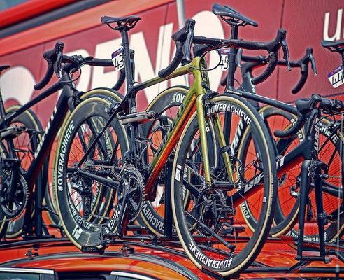 Bikes Team CCC // Giant