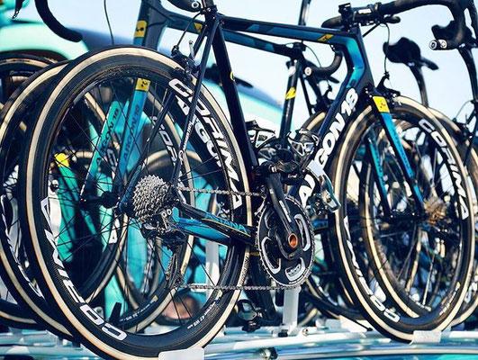 Bikes Team Astana // Argon 18