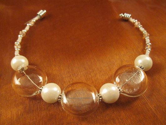 Perlenarmband mit 3 Glasperlen
