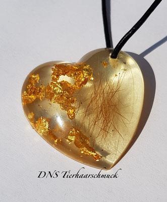 Herzanhänger mit Blattgold