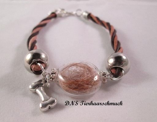 Armband mit Lederband und befüllter Glasperle