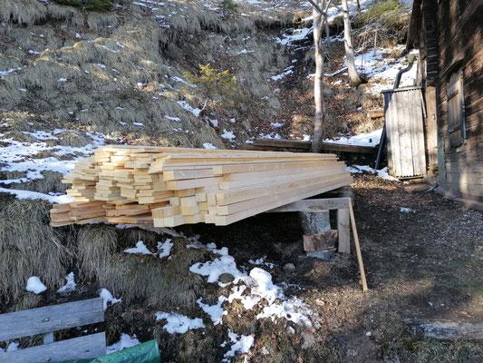 perfektes Holzzwischenlager