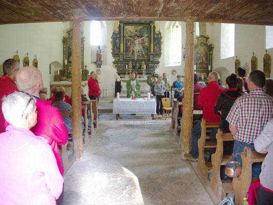 die heilige Messe, bestens besucht