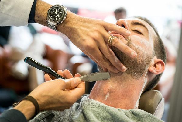 rasage à la shavette ou coupe-choux