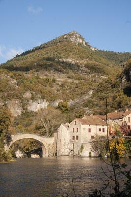 moulin-de-corp-dans-les-gorges-de-la-dourbie-aveyron-à-proximite-du-gite-de-charme-le-colombier-saint-veran-meuble-de-tourisme-cinq-etoiles-credit-photo-mcg