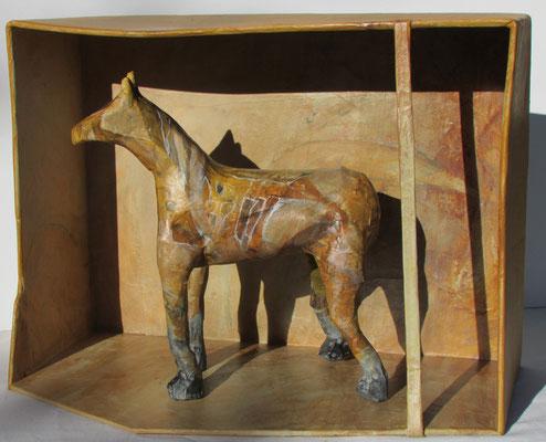 cheval dans boite - 28 x 38 cm
