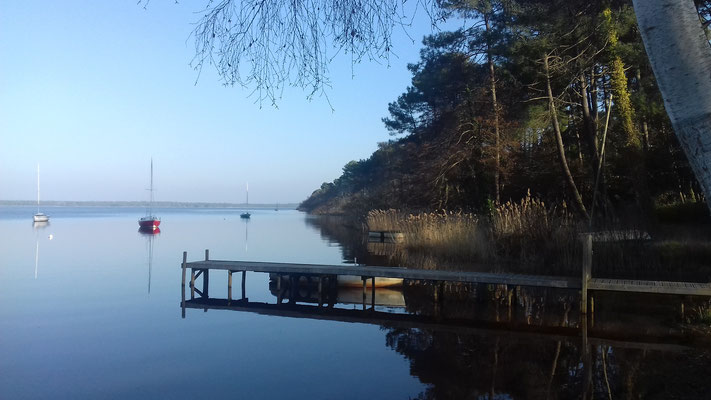 Ponton au bord du lac