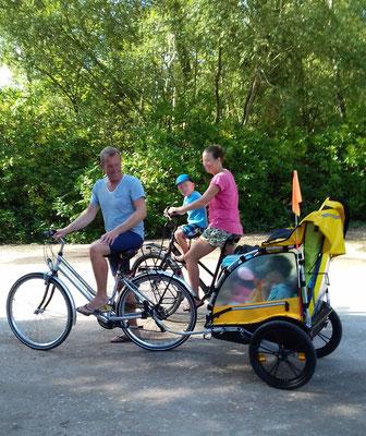 Au départ du camping les Fougères à vélo
