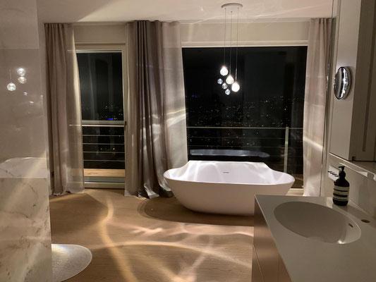 DROPs über der Badewanne