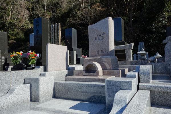 墓石G663(中国)インターロックデザイン墓石ゆらり
