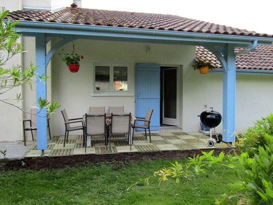 Terrasse couverte - Barbecue - Gîte de Marcadé - Clermont - Landes Chalosse