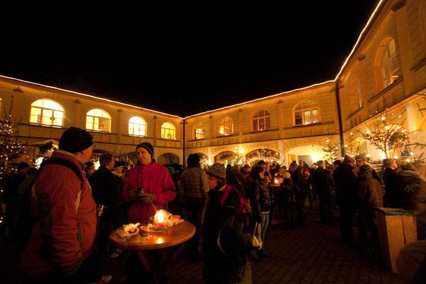 Weihnachtsmarkt Schloss Guteneck bei Nabburg, Foto Tourismuszentrum Oberpfälzer Wald e.V.