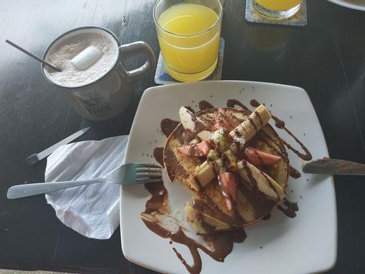 """Pancake du matin !! (resto """"Aloha"""" de Puerto Lopez)"""