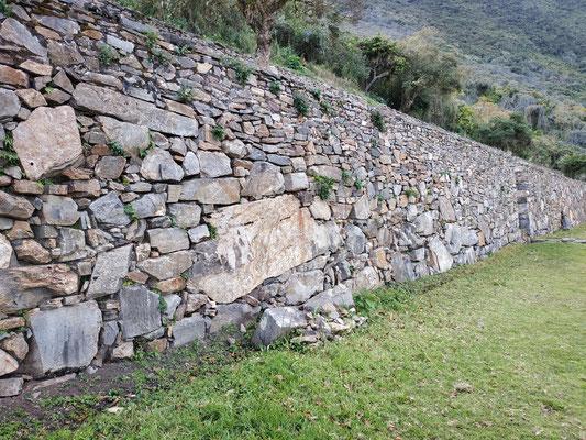 Agencement de pierres, curieux ....