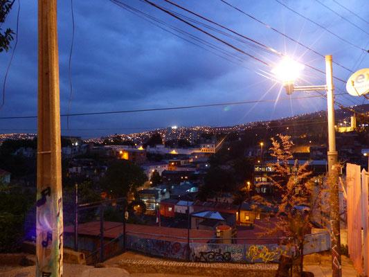 Vue de nuit depuis le cerro Alegre