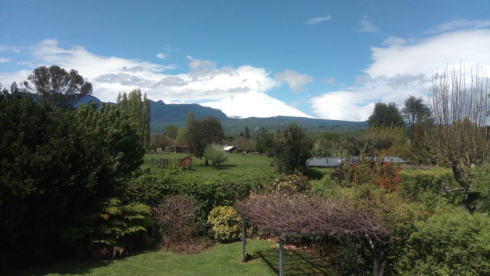 Vue sur le volcan Villarica depuis notre auberge!