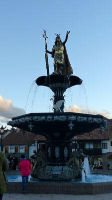 La fontaine coloniale sur laquelle on a vulgairement rajouté un Inca !
