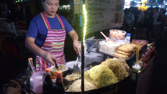 Sur le marché nocturne