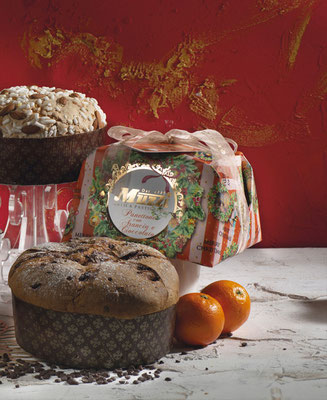 Panettone orange & chocolate hand wrap 1kg