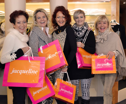 v. l. n. r. Waltraud, Lilli, Jacqueline, Regina, Christiane