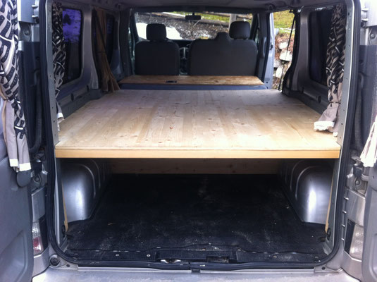 umbau opel vivaro zum campingbus g nstig einfach franzls on tour der familienreiseblog. Black Bedroom Furniture Sets. Home Design Ideas