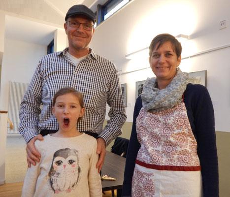 Dorfblatt-Dennis, Rita Roggenbrot und Lizzy in der geheimnisvollsten Rolle des Tages