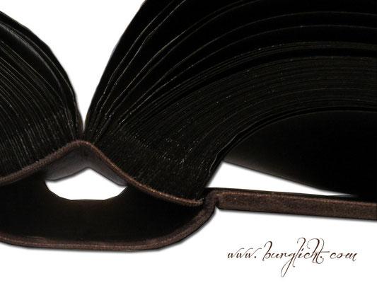 100 Blatt / 200 Seiten schwarzer Fotokarton und Pergaminzwischenblätter